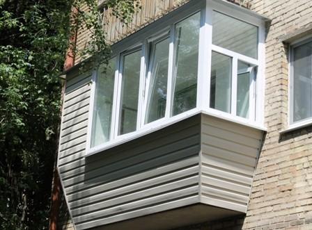 засклення вікон та балконів