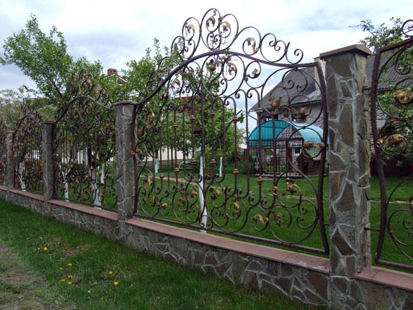 ковані паркани, кованые заборы, кованые ворота, ковані ворота, ворота кованые, кованая огорожа